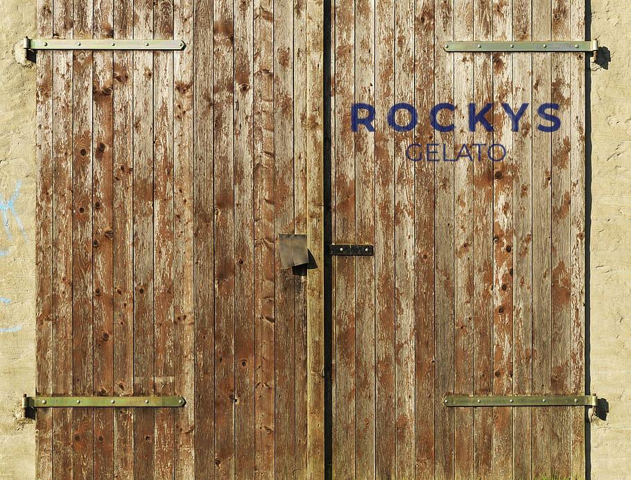 Rockys Barn Door